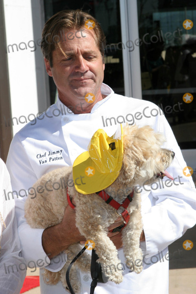 Jimmy Van Patten Photo - Jimmy Van Pattenat the kick off for Dine With Your Dog Day Century Plaza Hotel Century City CA 10-19-06