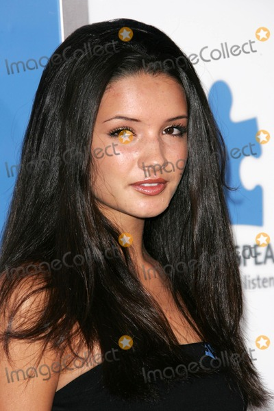 Alice Greczyn Photo - Alice Greczyn at a concert to benefit Autism Speaks Kodak Theatre Hollywood CA 09-24-05