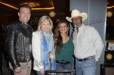 Judson Mills Photo - Judson Mills Sheree J Wilson Nia Peeples Clarence Gilyardat The Hollywood Show Westin LAX Los Angeles CA 04-28-18