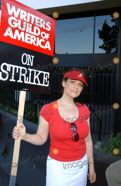 Meredith Salenger Photo - Meredith Salenger at the Writers Guild of America Picket Line in front of Universal Studios Universal City CA 11-13-07