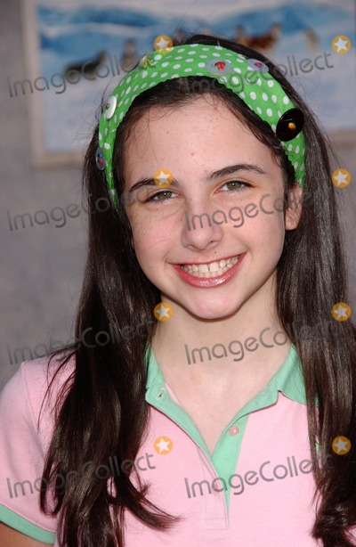 Anne Nelson Photo - Hailey Anne Nelsonat the premiere of Eight Below El Capitan Los Angeles CA 02-12-06