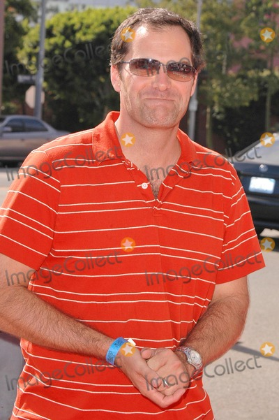 Andy Buckley Photo - Andy Buckley at the World Premiere of Grand Champion at the Crest Theatre Westwood CA 08-22-04