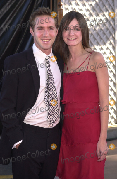 Alessandro Nivola Photo - Alessandro Nivola and Emily Mortimer at the premiere of Universals Jurassic Park III at the Universal Amphitheater Universal City 07-16-01