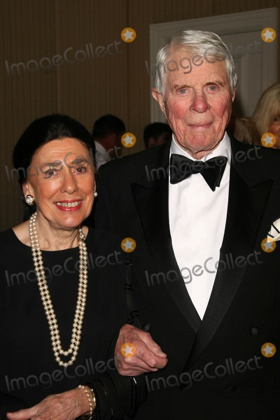 Peter Graves Photo - Peter Graves and guest at the 18th Annual Night Of 100 Stars Gala Beverly Hills Hotel Beverly Hills CA 02-24-08