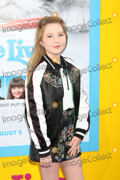 Ella Anderson Photo - Ella Andersonat the Nine Lives Premiere TCL Chinese Theater IMAX Hollywood CA 08-01-16