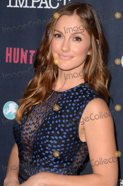 Minka Photo - Minka Kellyat the Red Carpet Event for Discovery and IFAWs Huntwatch Neuehouse Hollywood CA 09-15-16