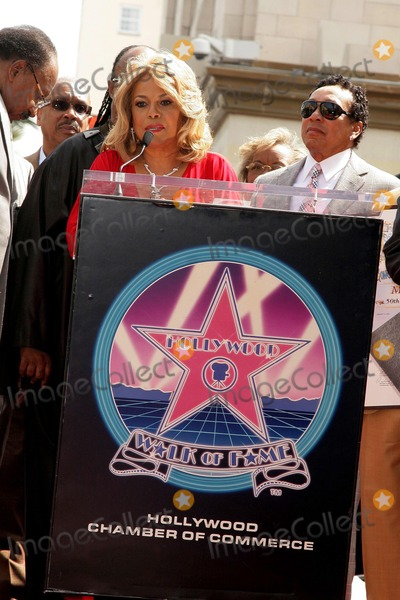 Claudette Robinson Photo - Claudette Robinson and Smokey Robinsonat the Hollywood Walk of Fame ceremony honoring the music group The Miracles Hollywood Boulevard Hollywood CA 03-20-09
