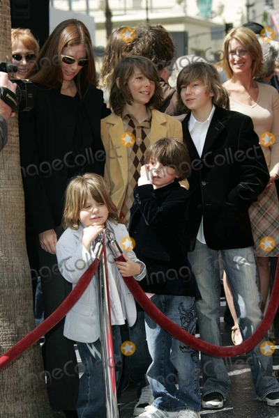 Page Hannah Photo - Page Hannah and familyat the Ceremony Honoring Lou Adler with a Star on the Hollywood Walk of fame Hollywood Boulevard Hollywood CA 04-06-06