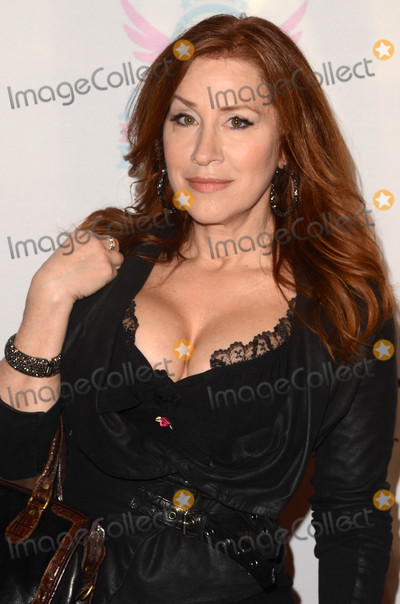 Ann Walters Photo - Lisa Ann Walterat the You Cant Have It Los Angeles Premiere TCL Chinese Theater Hollywood CA 03-15-17