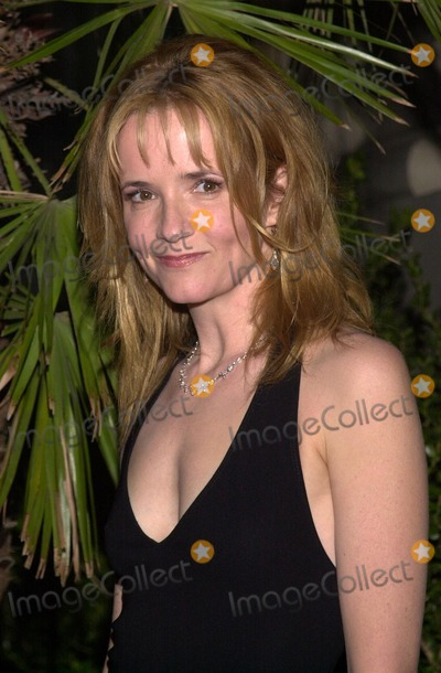 Lea Thompson Photo - Lea Thompson at the Dream Foundations Friends of the Dream fundraiser The Park Plaza Hotel Los Angeles CA 09-25-02