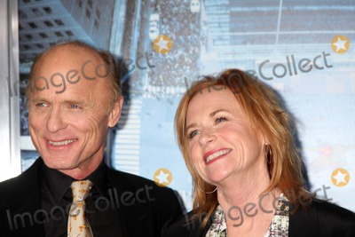Amy Madigan Photo - LOS ANGELES - JAN 23  Ed Harris Amy Madigan arrives at  the Man On A Ledge Los Angeles Premiere at Graumans Chinese Theater on January 23 2012 in Los Angeles CA