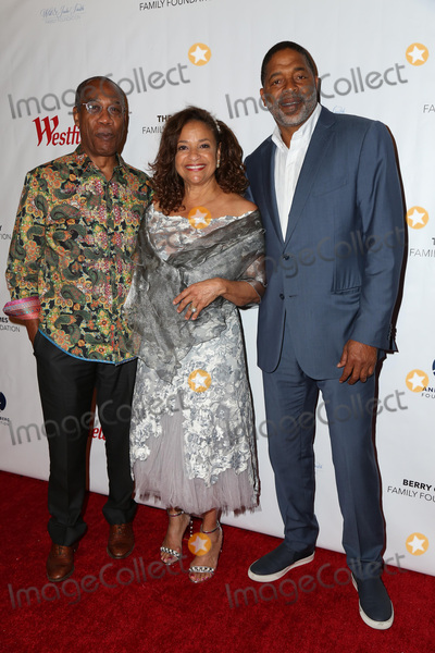 Norm Nixon Photo - LOS ANGELES - OCT 15  Joe Morton Debbie Allen Norm Nixon at the Turn Me Loose at the Wallis Annenberg at the Wallis Annenberg Center for the Performing Arts on October 15 2017 in Beverly Hills CA