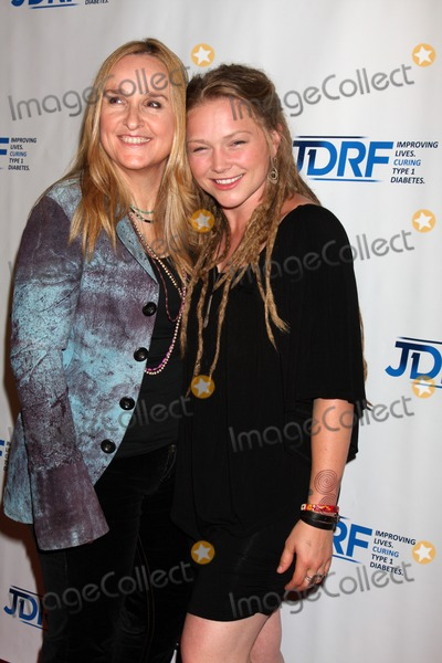 Crystal Bowersox Photo - LOS ANGELES - MAY 19  Melissa Ethridge Crystal Bowersox arrives at the JDRFs 9th Annual Gala at Century Plaza Hotel on May 19 2012 in Century City CA