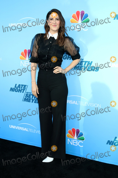 Seth Meyer Photo - LOS ANGELES - MAY 17  DArcy Carden at the Late Night with Seth Meyers FYC event at the Television Academy on May 17 2019 in North Hollywood CA