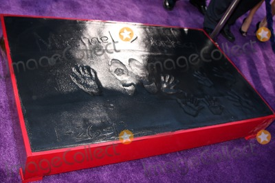 The Jacksons Photo - LOS ANGELES - JAN 26  Michael Jackson Hand and Footprints and his childrens handprints at the Michael Jackson Immortalized  Handprint and Footprint Ceremony at Graumans Chinese Theater on January 26 2012 in Los Angeles CA
