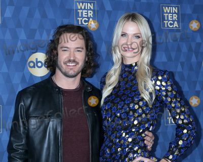 Mark-Paul Gosselaar Photo - LOS ANGELES - JAN 8  Mark-Paul Gosselaar and Catriona McGinn at the ABC Winter TCA Party Arrivals at the Langham Huntington Hotel on January 8 2020 in Pasadena CA