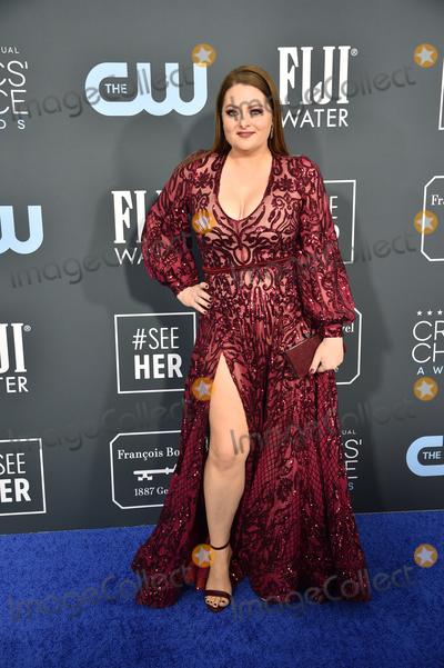 ASH Photo - LOS ANGELES - JAN 12  Lauren Ash at the Critics Choice Awards 2020 at the Barker Hanger on January 12 2020 in Santa Monica CA