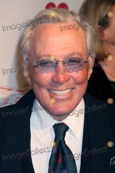 Andy Williams Photo - Andy Williams arriving Music Cares Man of the Year Dinner honoring Neil Diamond at the Los Angeles Convention Center  in Los Angeles CA on February 6 2009