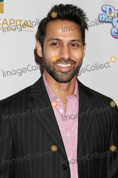 Aly Mawji Photo - LOS ANGELES - MAR 7  Aly Mawji at the Dropping the Soap Premiere at Writers Guild Theater on March 7 2017 in Beverly Hills CA