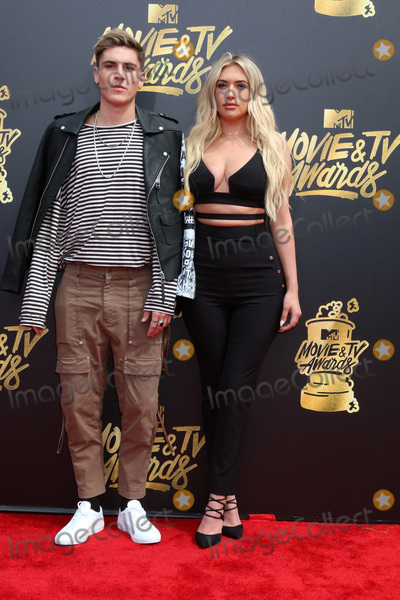 Anastasia Karanikolaou Photo - LOS ANGELES - MAY 7  Sammy Wilk Anastasia Karanikolaou at the MTV Movie and Television Awards on the Shrine Auditorium on May 7 2017 in Los Angeles CA