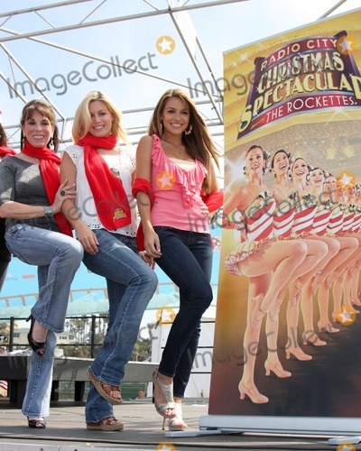 The Radio City Rockettes Photo - LOS ANGELES - AUG 12  Kate Linder Stephanie Gatschet  Chrishnell Strause at the  Kicking Across America with the Radio City Rockettes Event at Santa Monica Pier on August 12 2010 in Santa Monica  CA
