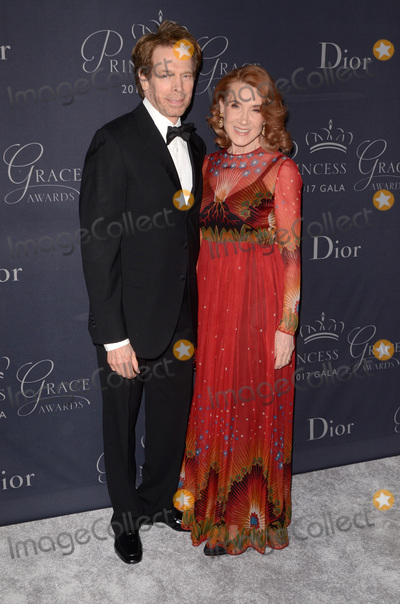 Jerry Bruckheimer Photo - LOS ANGELES - OCT 25  Jerry Bruckheimer Linda Bruckheimer at the 2017 Princess Grace Awards Gala at the Beverly Hilton Hotel on October 25 2017 in Beverly Hills CA