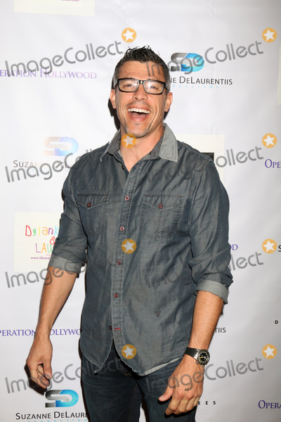 Al Coronel Photo - LOS ANGELES - APR 30  Al Coronel at the Suzanne DeLaurentiis Productions Gifting Suite at the Dylan Keith Salon on April 30 2016 in Burbank CA