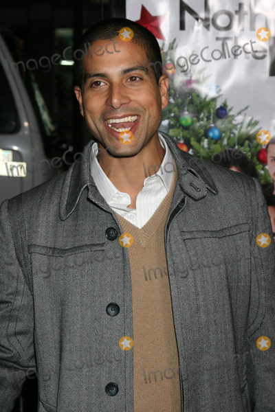 Adam Rodriguez Photo - Adam Rodriguez arriving at the Premiere of Nothing Like the Holidays at the Graumans Chinese Theater in Hollywood CADecember 3 2008