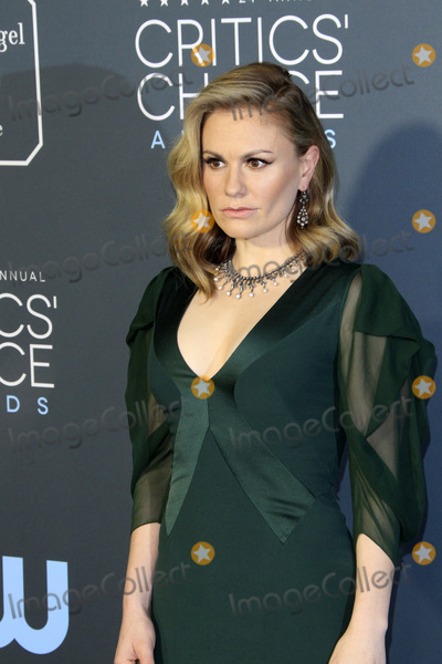 Anna Paquin Photo - LOS ANGELES - JAN 13  Anna Paquin at the Critics Choice Awards  at the Barker Hanger on January 13 2019 in Santa Monica CA