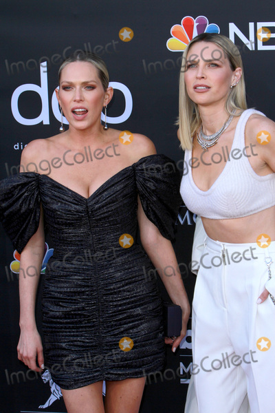 Erin Foster Photo - LAS VEGAS - MAY 1  Erin Foster Sara Foster at the 2019 Billboard Music Awards at MGM Grand Garden Arena on May 1 2019 in Las Vegas NV