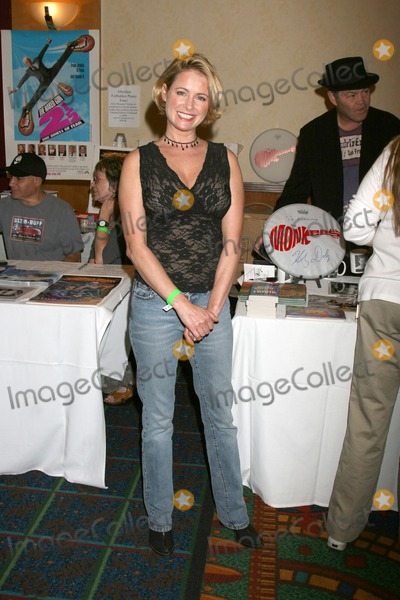 Amy Dolenz Photo - Ami Dolenz  at the Hollywood Collector Show at the Burbank Marriott Convention Center in Burbank  CA onOctober 4 2008