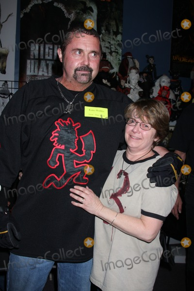 Kane Hodder Photo - Kane Hodder   Sue HowisonSigning of the new DVD release His Name Was Jason 30 Years of Friday the 13ths at Dark Delicacies Store in Burbank CA on February 3 2009