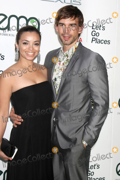 Anel Lopez Photo - LOS ANGELES - OCT 214  Anel Lopez Christopher Gorham at the Environmental Media Awards 2015 at the Warner Brothers Studio Lot on October 214 2015 in Burbank CA