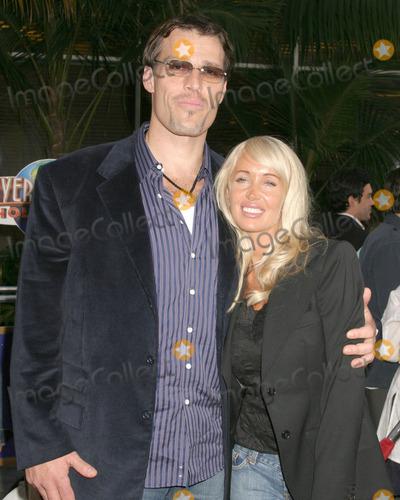 Tony Robbins Photo - Tony Robbins and wifeCinderalla Man World PremiereGibson AmphitheatreUniversal City WalkLos Angeles CAMay 23 2005