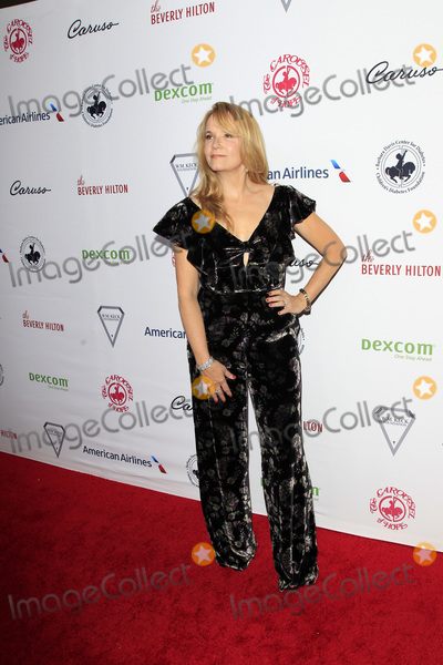 Lea Thompson Photo - LOS ANGELES - OCT 6  Lea Thompson at the 2018 Carousel Of Hope Ball at the Beverly Hilton Hotel on October 6 2018 in Beverly Hills CA