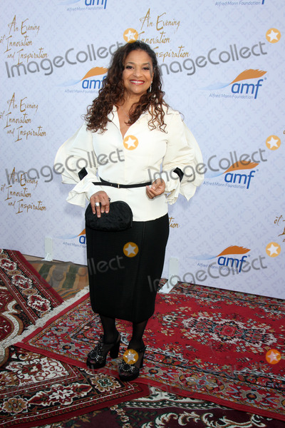 Alfred Mann Photo - LOS ANGELES - OCT 13  Debbie Allen at the 10th Alfred Mann Foundation Gala at Robinson-May Lot on October 13 2013 in Beverly Hills CA