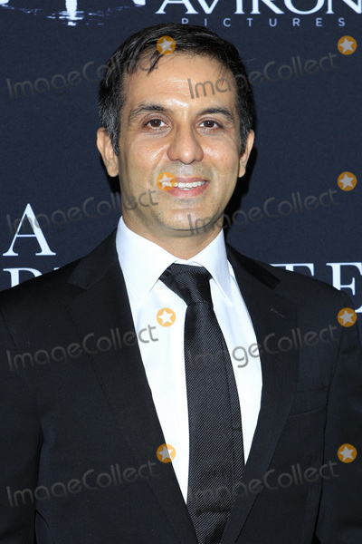 Arash Amel Photo - LOS ANGELES - OCT 24  Arash Amel at the A Private War Premiere at the Samuel Goldwyn Theater on October 24 2018 in Beverly Hills CA