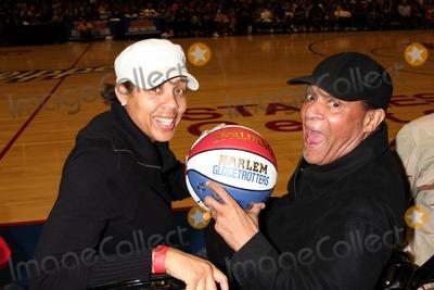 Al Jarreau Photo - Cheryl Miller  Al Jarreauat the Harlem Globetrotters Game Staples CenterLos Angeles CAFebruary 14 2010