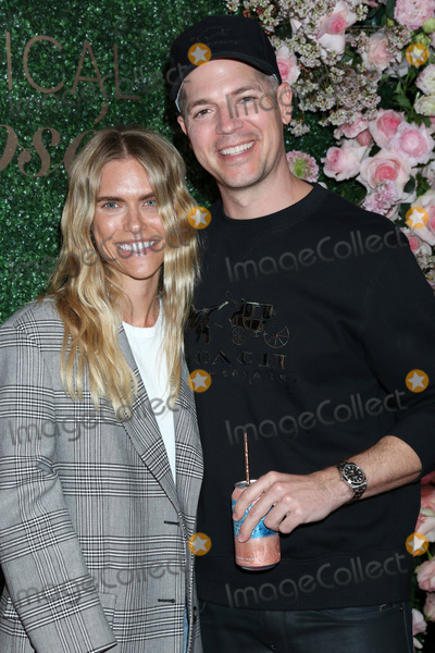 Kennedy Photo - LOS ANGELES - MAR 11  Lauren Kennedy and Jason Kennedy at the Seagrams Escapes Tropical Rose Launch Party at the hClub on March 11 2020 in Los Angeles CA
