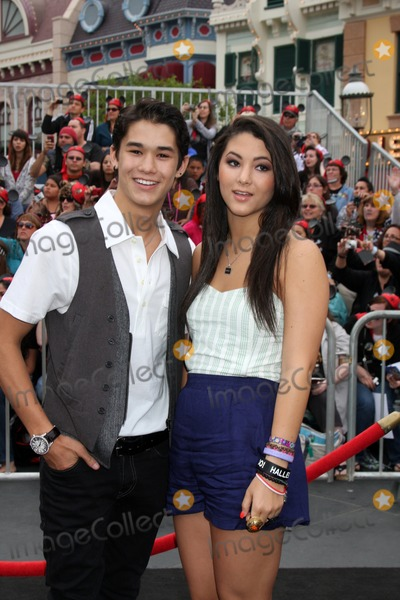 Fivel Stewart Photo - LOS ANGELES - MAY 7  BooBoo Stewart Fivel Stewart arriving at the Pirates of The Caribbean On Stranger Tides World Premiere at Disneyland on May 7 2011 in Anaheim CA