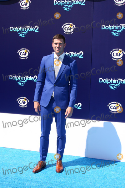 Austin Stowell Photo - LOS ANGELES - SEP 7  Austin Stowell at the Dolphin Tale 2 Prmiere at Village Theater on September 7 2014 in Westwood CA