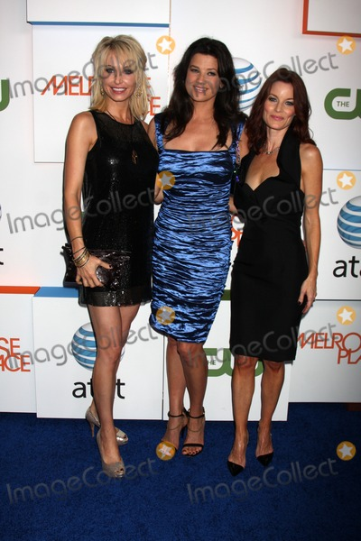 Josie Bissett Photo - Josie Bissett Daphne Zuniga and Laura Leighton  arriving at  Melrose Place Premiere Party on Melrose Place in  Los Angeles CA on August 22 2009