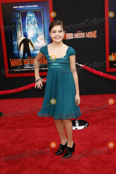 Bailee Madison Photo - LOS ANGELES -  MAR 6 Bailee Madison arrives at the Mars Needs Moms World Premiere at El Capitan Theater on March 6 2011 in Los Angeles CA