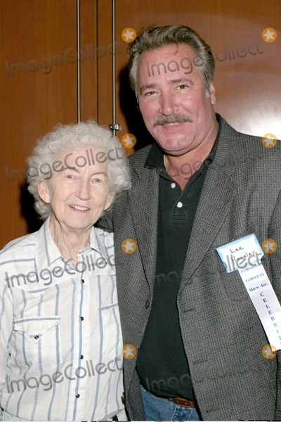 Lee Horsley Photo - Lee Horsley FanHollywood Collectors ShowBurbank HiltonBurbank CAOctober 14 2006