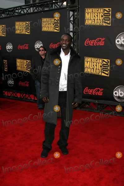 Akon Photo - AkonAmerican Music Awards 2007Nokia TheaterLos Angeles CANovember 18 2007