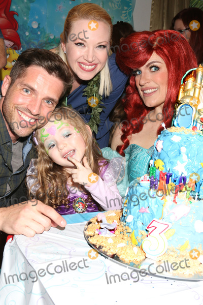 Adrienne Frantz Photo - LOS ANGELES - NOV 25  Scott Bailey Adrienne Frantz Amelie Bailey Ariel Charachter at the Amelie Bailey 3rd Birthday Party at a Private Residence on November 25 2018 in Studio City CA