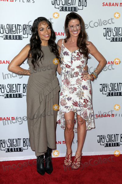 Shannon Elizabeth Photo - LOS ANGELES - OCT 15  Rosario Dawson Shannon Elizabeth at the Jay  Silent Bob Reboot Los Angeles Premiere at the TCL Chinese Theater on October 15 2019 in Los Angeles CA