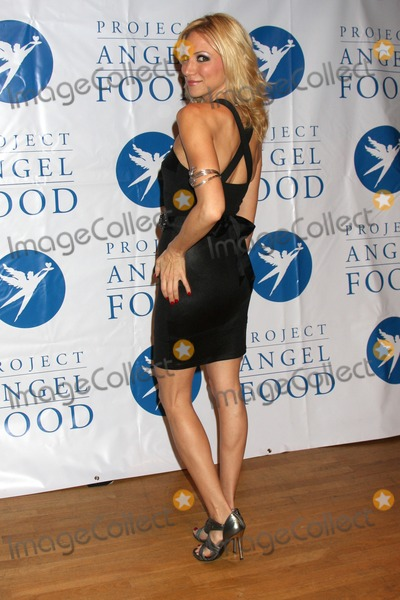 Howard Fine Photo - Deborah Gibsonarriving at the  5th Annual inCONCERT To Benefit Project Angel FoodHoward Fine TheaterLos Angeles  CAOctober 17 2009