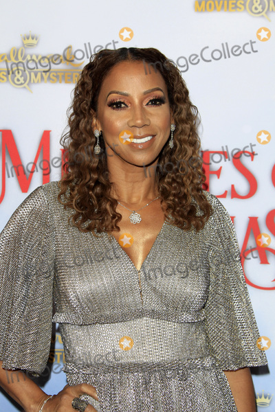 Hollies Photo - LOS ANGELES - DEC 4  Holly Robinson Peete at the Once Upon A Christmas Miracle Screening and Holiday Party at the 189 by Dominique Ansel on December 4 2018 in Los Angeles CA