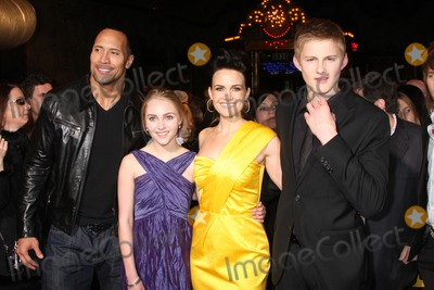 Alexander Ludwig Photo - Dwayne Johnson AnnaSophia Robb Carla Gugino  Alexander Ludwig   arriving at the Race to Witch Mountain Premiere at the El Capitan Theater l in Los Angeles  CA on  March 11 2009
